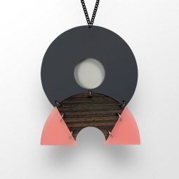 SUI_jewellery_necklace circlehalf1_moxx collection