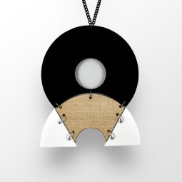 SUI_jewellery_necklace circlehalf3_moxx collection