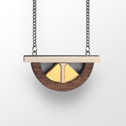 sui_wood_acrylic_necklace-bridge-3