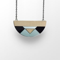 sui_wood_acrylic_semicircle-necklace 3
