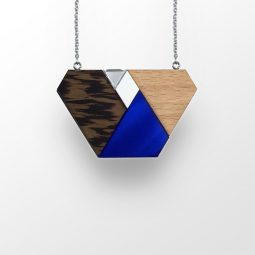 sui_wood_beech-acrylic_necklace_blue-shape_ chain_4