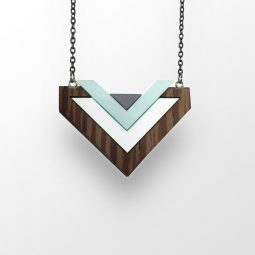 sui_wood_wenge_necklace-heart_black chain_1