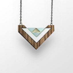 sui_zebrano wood_acrylic_necklace-heart_black chain_1